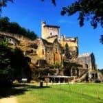 Visiter La Vallée de la Vézère le chateaux de Comarque
